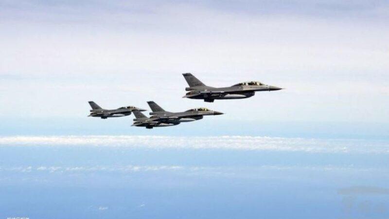 中美航母戰機對峙細節曝光 美軍戰機掛實彈