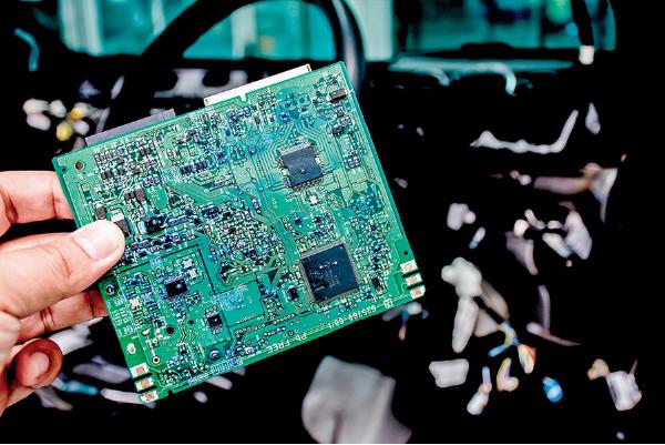 晶片荒恐持續一整年 汽車製造業料將大受打擊