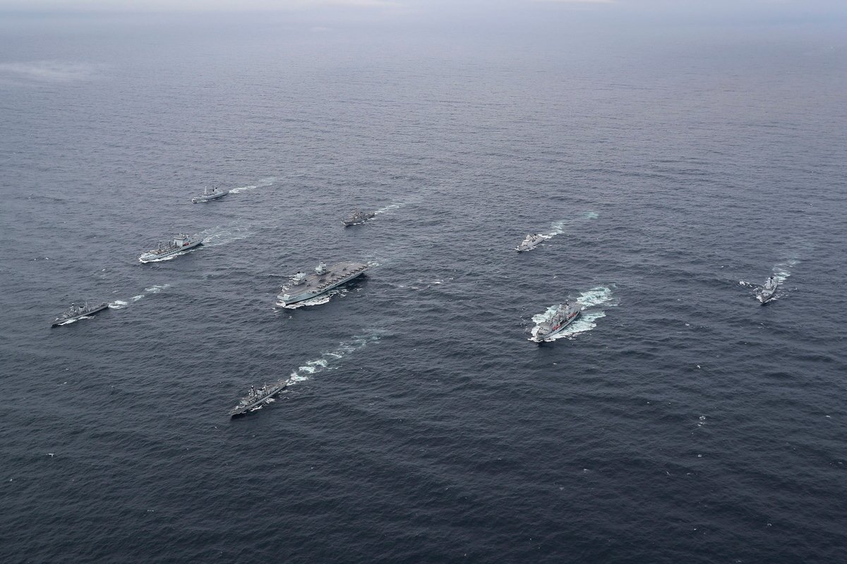 伊利沙白女王號航母打擊群五月出訪,將訪問40國,航行26,000海浬。(UK Royal Navy)