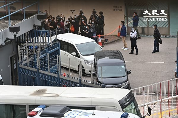 12港人案 | 九人被控妨礙司法公正 黃臨福擬認向警署投擲汽油彈