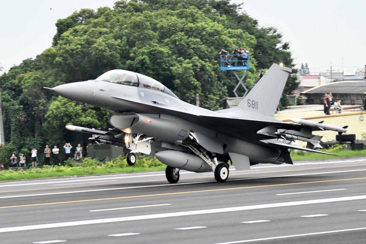 圖為台灣F-16戰機。(SAM YEH/AFP via Getty Images)
