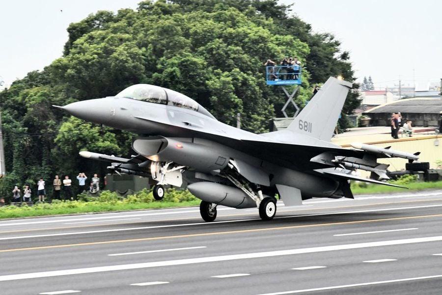 台F-16戰機首度飛美受訓 拜登:美將維持印太軍力