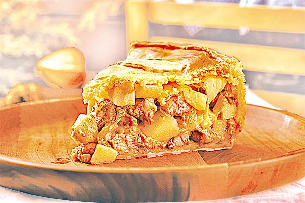 簡單易做的雞肉蘋果派。