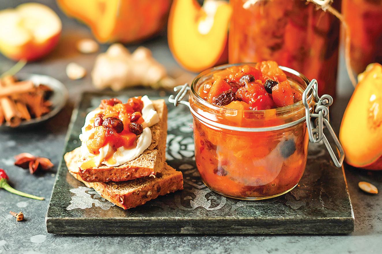 添加果乾的酸辣醬是百搭醬,能讓膳食風味更有層次。