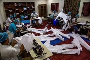 印度於「雙重變種」武肺肆虐下 廠商繼續奮勇作戰