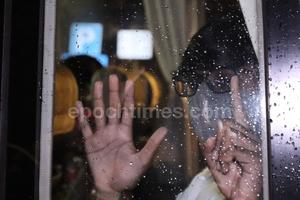【不斷更新】尖沙咀美園大廈居民撤離強檢舉五一手勢 隨時隨地表達意見 (多圖)