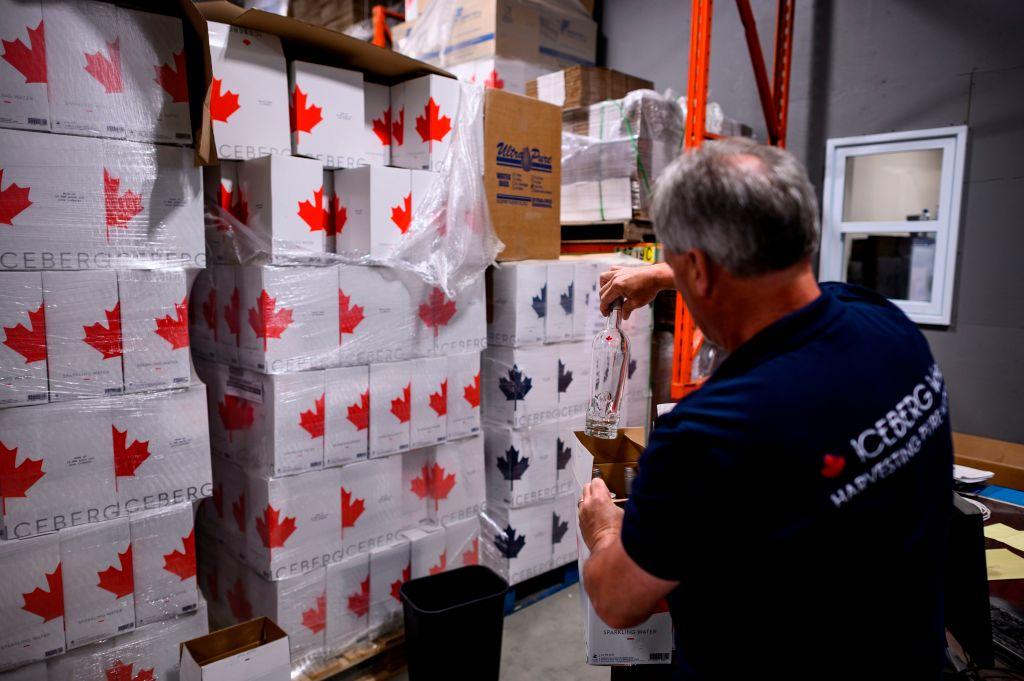 IHS Markit昨(5月3日)公佈4月份加拿大製造業PMI數值為57.2,反映商業活動正在擴張。(JOHANNES EISELE/AFP via Getty Images)