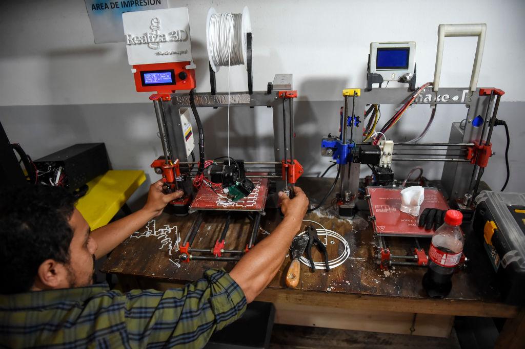 IHS Markit昨(5月3日)公佈4月份哥倫比亞製造業PMI數值為54.0,反映商業活動正在擴張。(RAUL ARBOLEDA/AFP via Getty Images)