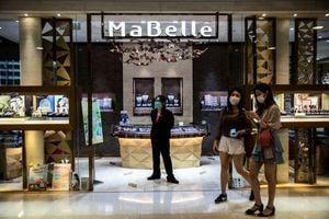 香港3月零售銷售年升20%因基數低 珠寶反彈81%