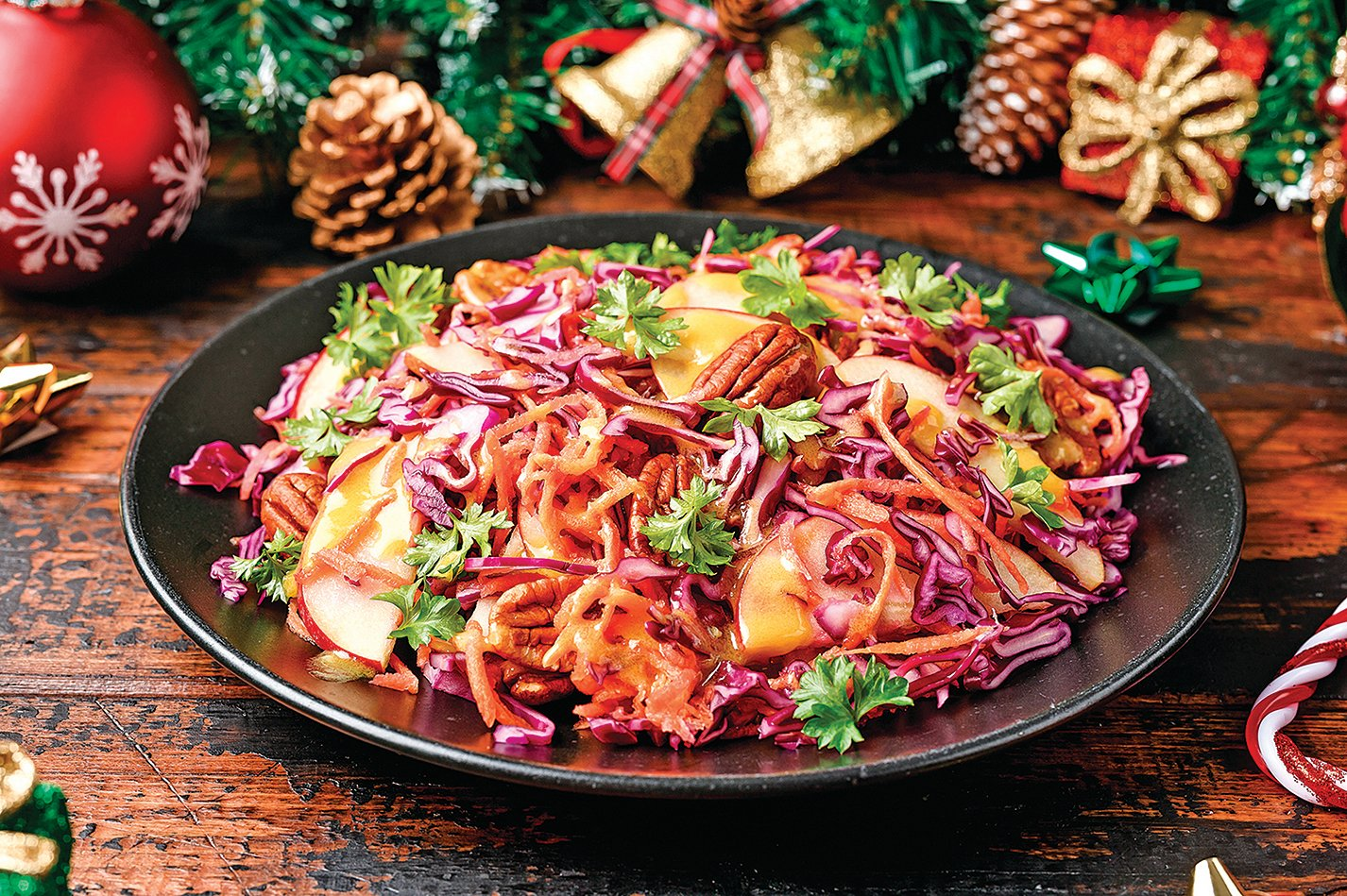 蔬菜沙律或雞肉沙律都可添加凍乾水果,清香甘甜。