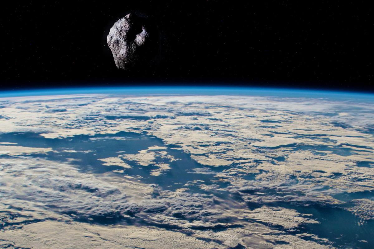 據NASA透露,在有威脅力的小行星中,仍有三分之二未被發現。(大紀元合成)