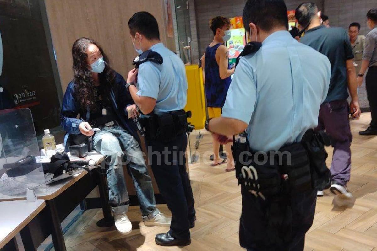 「理大廚房佬」施漢恒於深水埗欽州街黃金商場旁邊的麥當勞快餐店,懷疑因為一宗打架案件被捕。(市民提供)