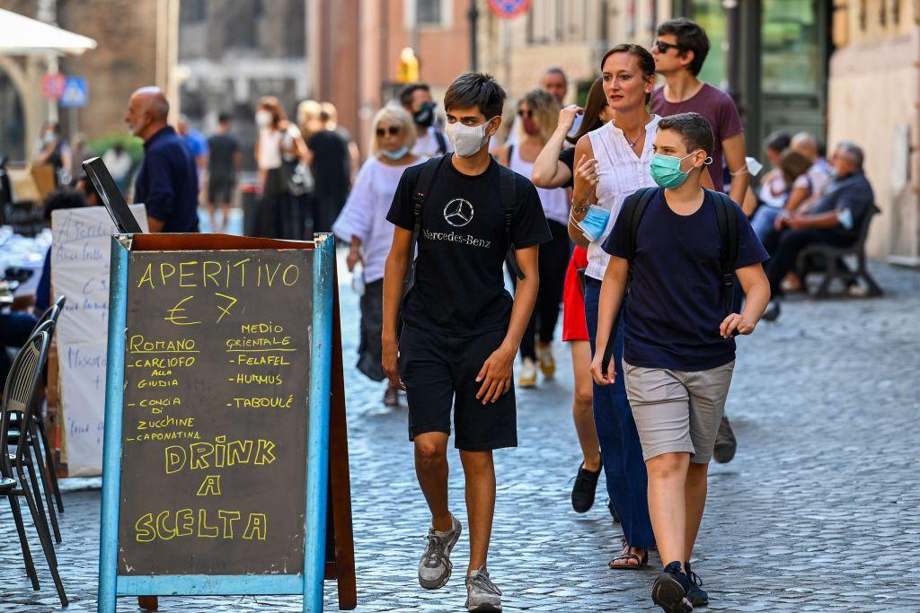 IHS Markit昨(5月5日)公佈4月份意大利服務業經營活動指數為47.3,反映商業活動正在收縮。(VINCENZO PINTO/AFP via Getty Images)
