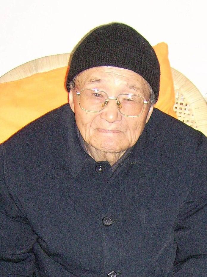 與龔品梅神父一起被捕的范忠良主教,被關押30年後獲釋,仍被中共長期軟禁在家中。此圖攝於2010年。(維基百科)