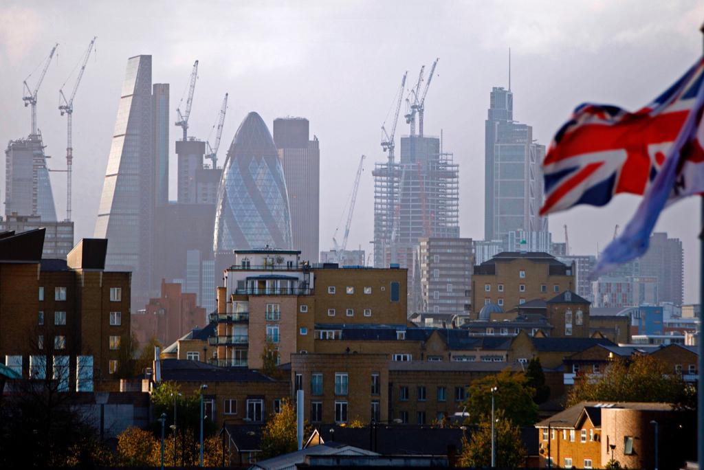 有英國物業代理發現,自開放BNO(5+1)簽證以來,港人在倫敦購買物業達當地物業市場成交額的4%,而數量較BNO開放政策生效前增長144%。(TOLGA AKMEN/AFP via Getty Images)