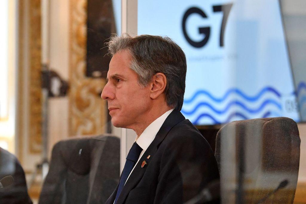 美國國務卿安東尼·布林肯(Antony Blinken)警告說,如果習近平要下令入侵台灣,將是一個「非常嚴重的錯誤」。圖攝於5月4日,美國國務卿布林肯正在倫敦出席G7峰會。(BEN STANSALL/POOL/AFP via Getty Images))