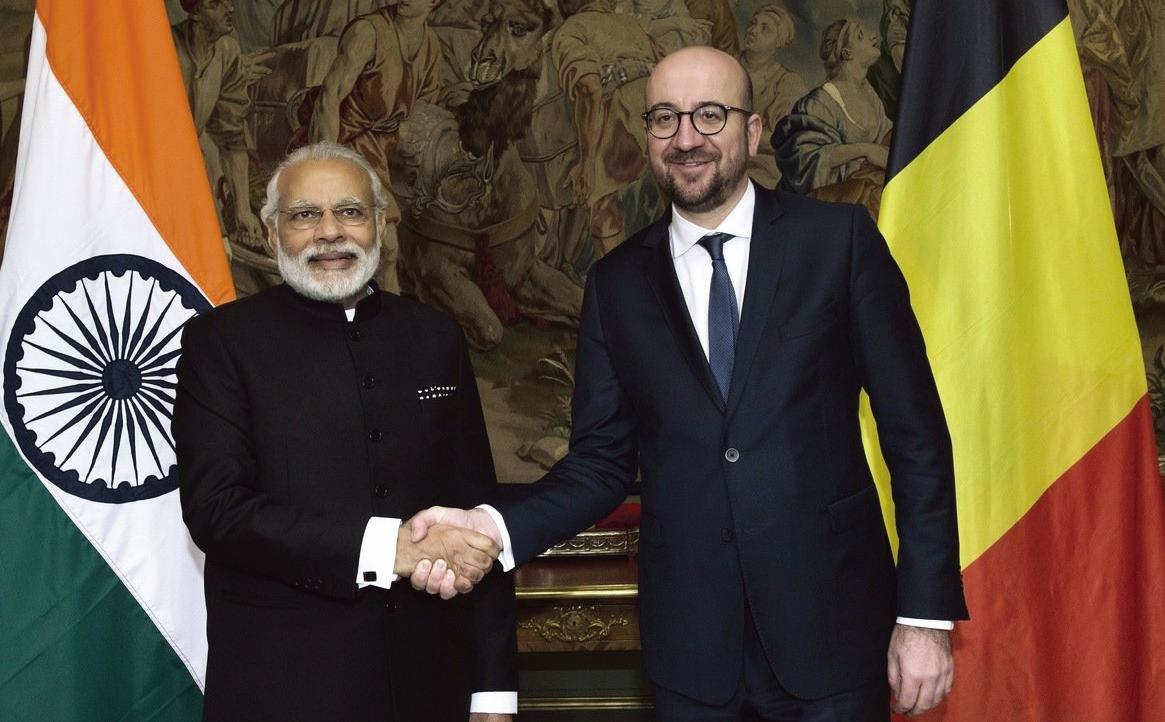 圖為2016年時任比利時首相、現任歐盟理事會主席米歇爾(Charles Michel,右)和印度總理莫迪(Narendra Modi,左)在歐洲會晤。(Getty Images)