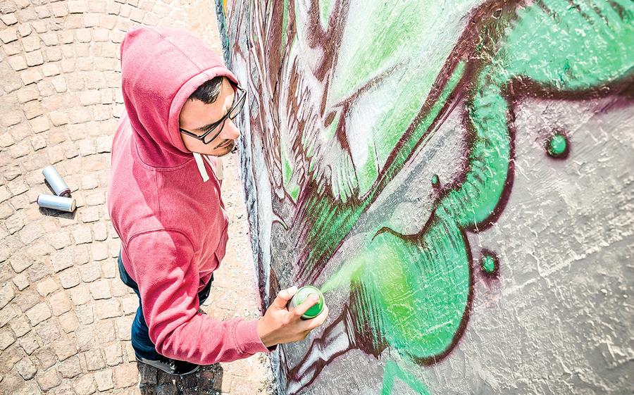 壁畫藝術遭塗鴉 新發明貼紙巧妙清除
