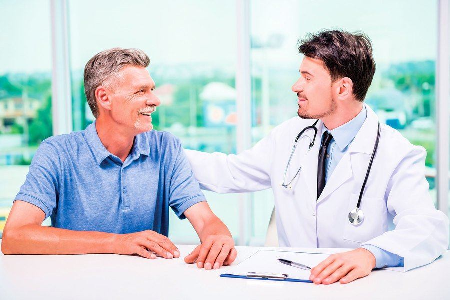 老年人嗆咳恐致吸入性肺炎 平時多留意徵兆 四種方法有效預防