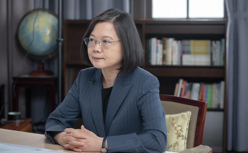 挺台浪潮持續增強,七國集團首次公開譴責中共、支持台灣。圖為蔡英文總統在哥本哈根民主高峰會視訊演講。(中華民國總統府提供)
