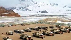 中印邊境再緊張 中共部署大批遠程火箭炮