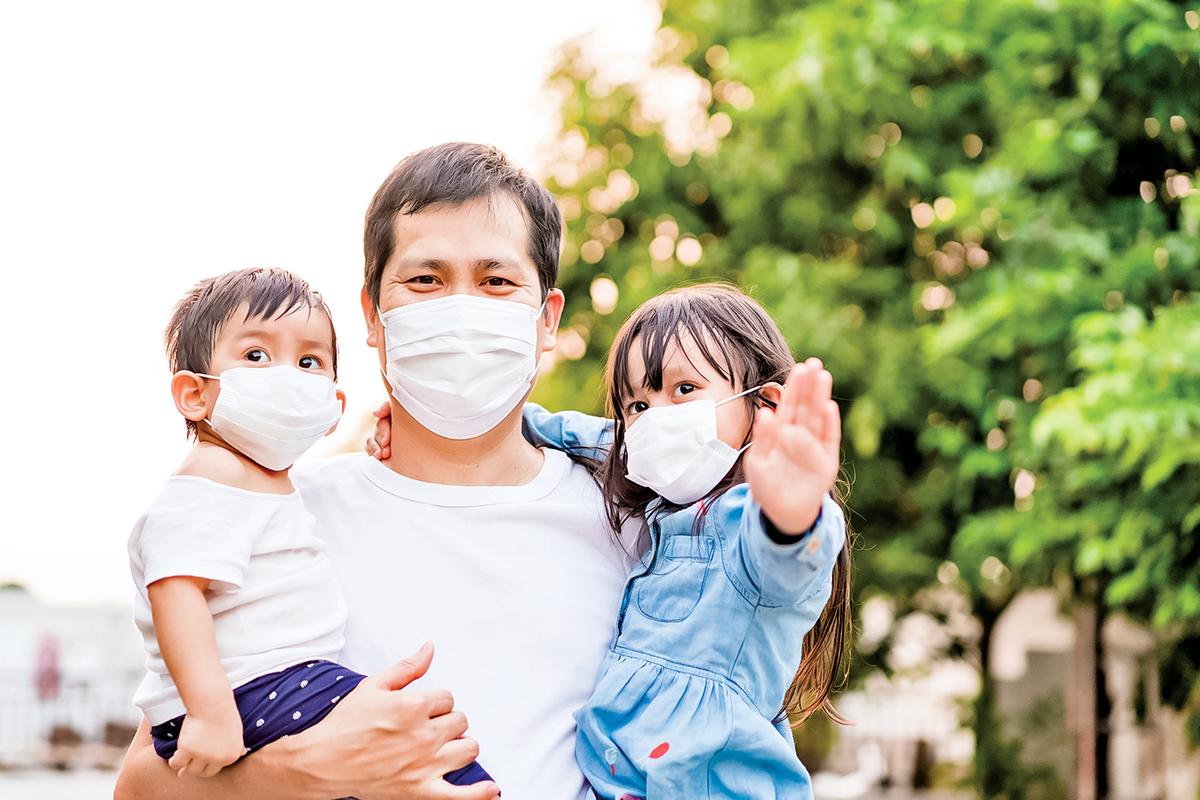 有專家指出根據統計數據,兒童感染COVID-19(中共病毒)的風險非常低,特別是患重症的風險,而且兒童不會傳播病毒。(shutterstock)