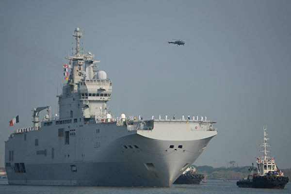 5月11日至17日,日本自衛隊、美軍、法軍在日本舉行聯合軍事演習;同時,日本與美國、法國和澳洲四國海軍在日本西南部海域(臨近東海)展開代號為「Arc21」的軍事演練。圖為,法國兩棲攻擊艦「雷電號」(Tonnerre)。(ARUN SANKAR / AFP via / Getty Images)