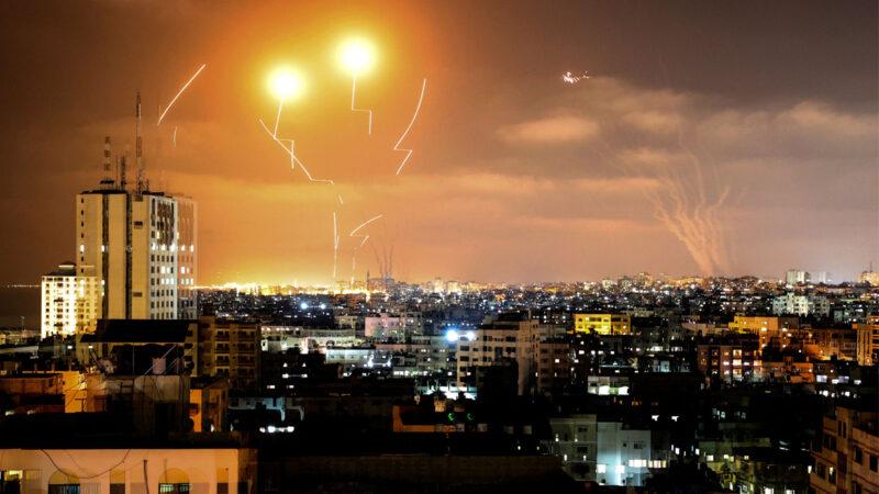 以巴衝突升級 美軍向伊朗快艇鳴槍示警