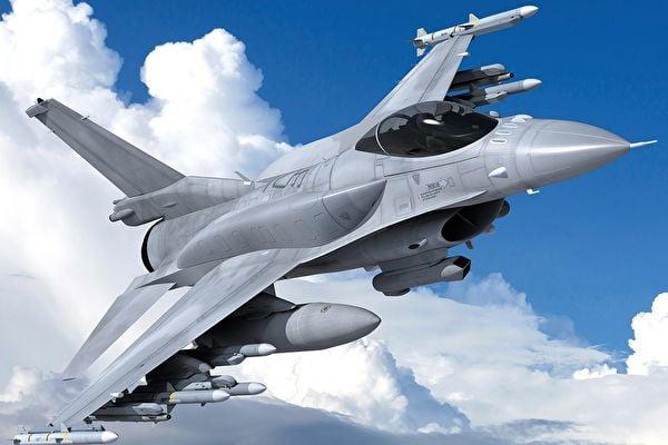 F16戰機返台美軍加油機隨行 台試射AIM120導彈