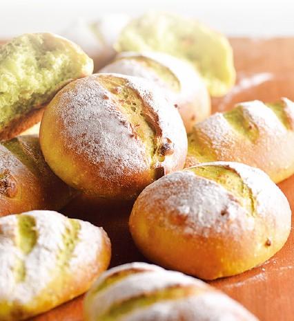運用橄欖油和牛油果,做出美味的健康麵包。