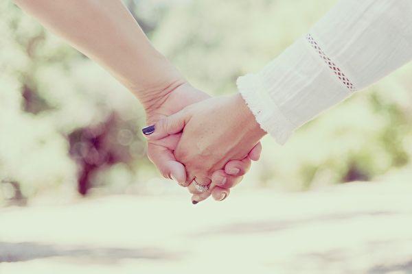 大陸2021年第一季度離婚登記數據顯示,四川省離婚人數位居全國首位。專家學者認為,相敬如賓、互相理解信任是夫妻之道的關鍵。(Pixabay)