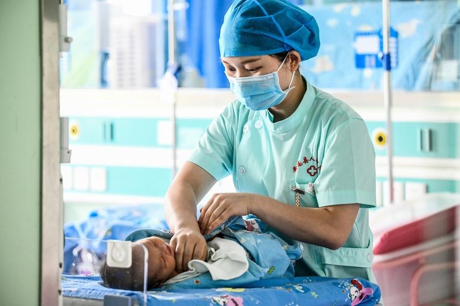 中國生育率下降 專家呼籲重獎生育