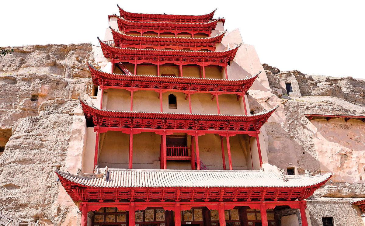 修建於民國年間的「九層樓」,是敦煌石窟的標誌性建築,編為第96窟。(Zihao/Shutterstock)