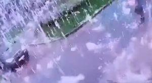 聖彼得堡驚見「電光雨」火花狂炸 民眾嚇傻