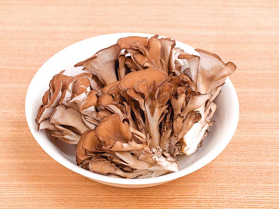 舞菇的煙鹼酸含量豐富,具有促進代謝的作用。