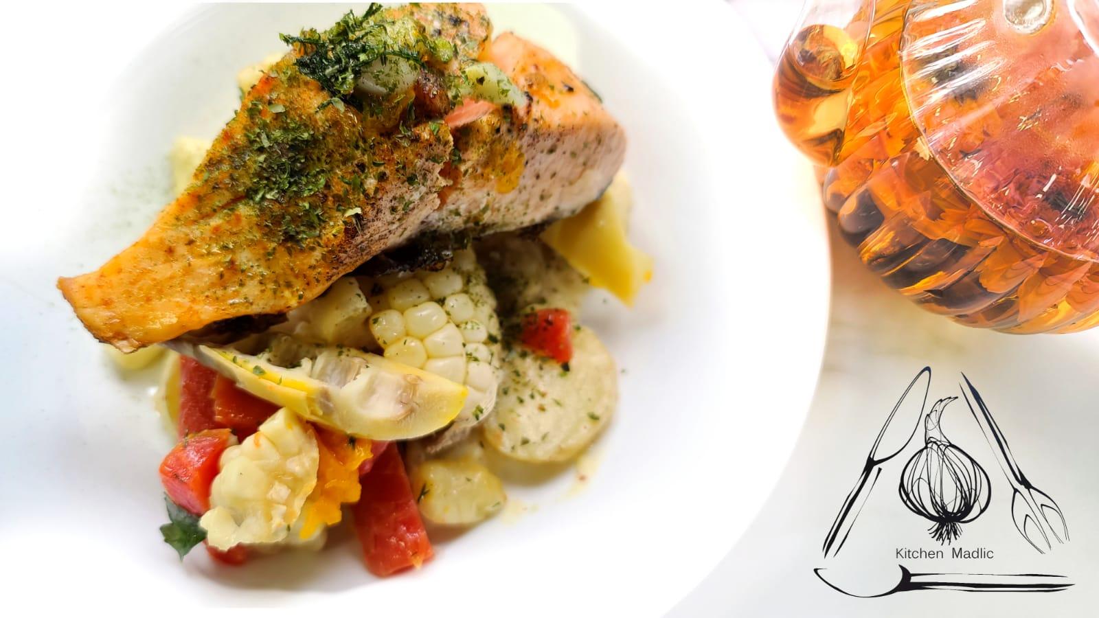 牛油刁草煎焗三文魚扒配春筍薯菜。(Kitchen Madlic提供)