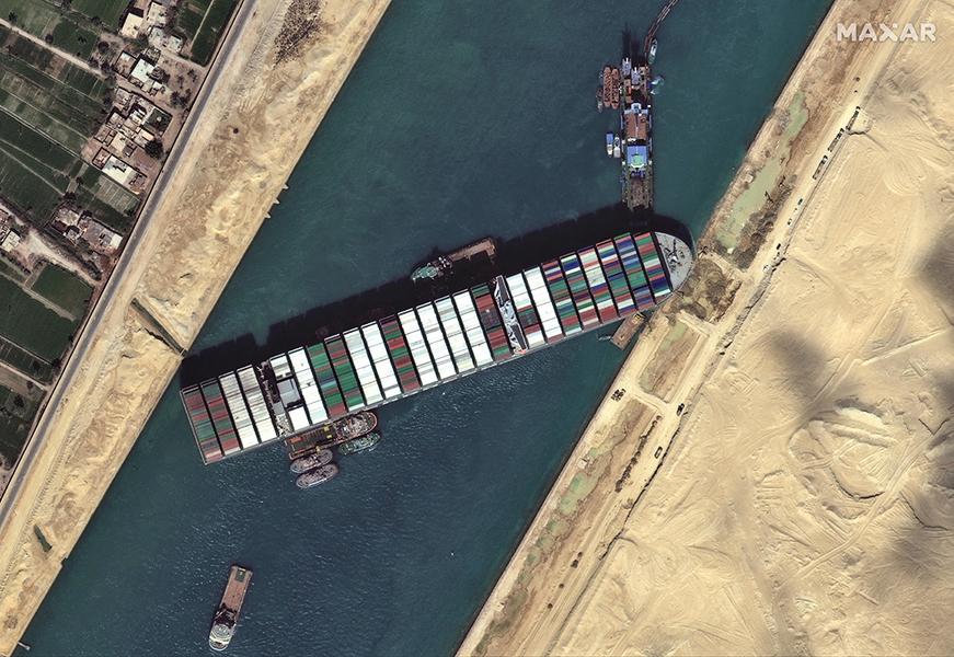 蘇伊士運河局:船長需負責