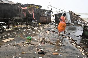 印度和孟加拉遭颶風襲擊 110萬人疏散
