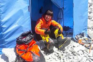 曾燕紅再登珠峰頂 創女性全球最快紀錄