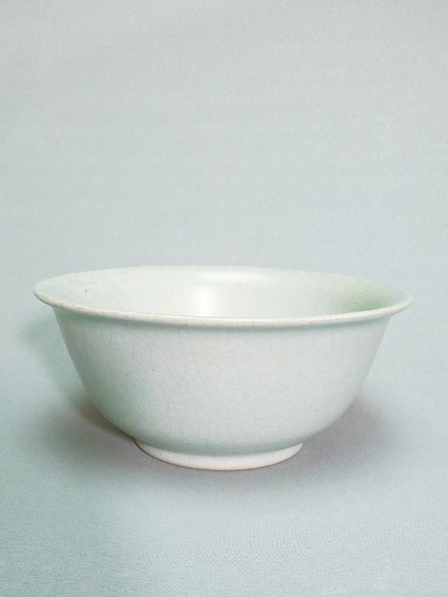 作者珍藏寶貴汝窯碗。