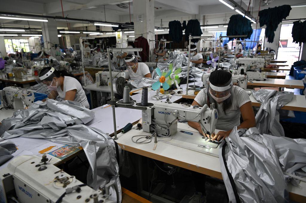 IHS Markit今(6月1日)公佈5月份菲律賓製造業PMI數值為49.9,反映商業活動正在收縮。(TED ALJIBE/AFP via Getty Images)