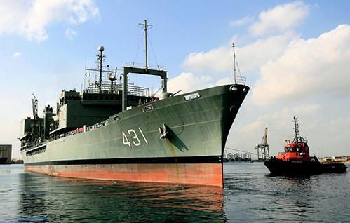 伊朗最大海軍艦艇  在阿曼灣起火沉沒