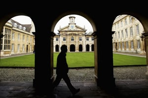解放軍科學家在英國劍橋大學做訪問學者