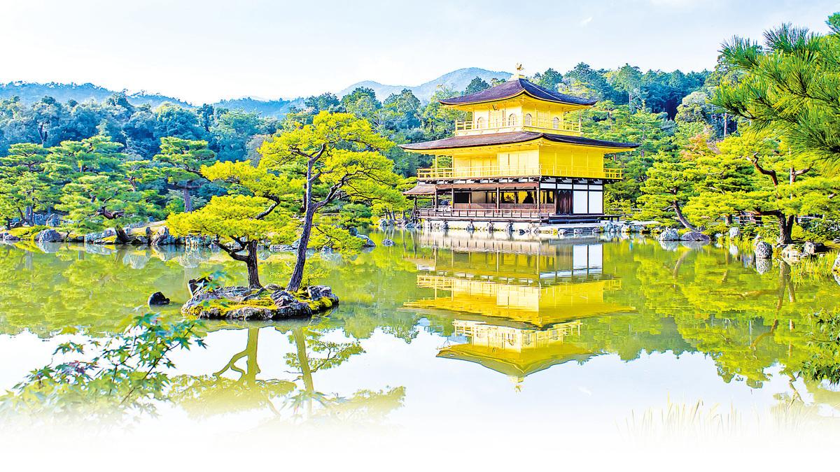 (主圖)金閣寺與周圍園林交相輝映,華麗身影倒映鏡湖池中,是京都的代表性景觀。(Fotolia)