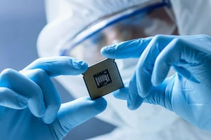 英國最大晶片工廠 擔心被中共收購