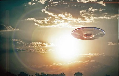 美政府UFO報告無確定結論