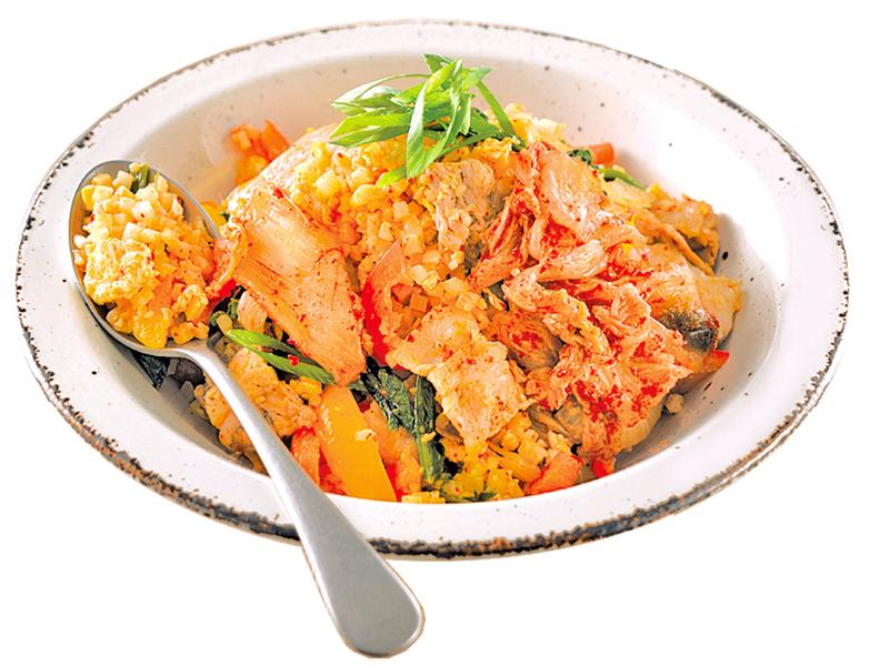 泡菜豬五花炒椰菜花米 另類炒飯