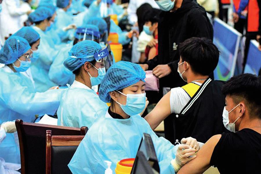 廣州66%接種率疫情仍續惡化 中共專家自曝疫苗有效性存疑