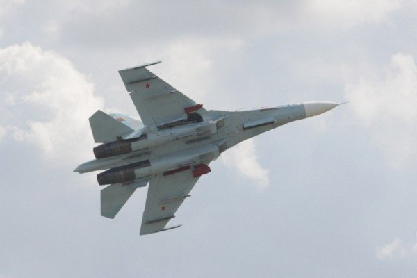 雙方僅距3米 美俄戰機黑海上空險「相撞」