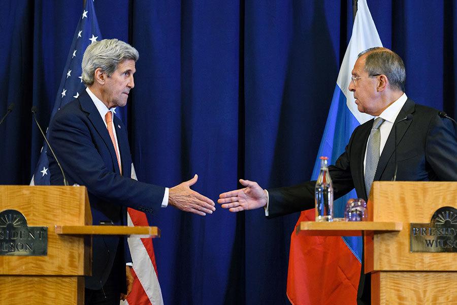 9月9日,在日內瓦經過整天的談判後,美國國務卿克里和俄羅斯外長拉夫羅夫就敘利亞問題達成新一輪停火協議下週一生效。(FABRICE COFFRINI/AFP/Getty Images)